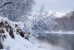 В зимней одежде